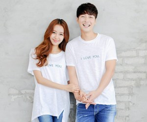 Couple short T-shirts_14B24