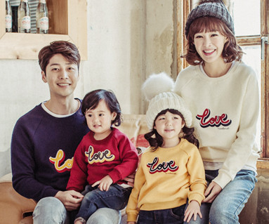 Brushed Love Circle embroidery round family long sleeve_16D05