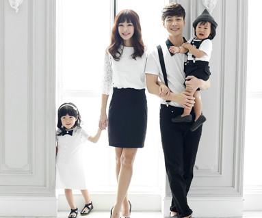 Modern romance family short T-shirts_16B10