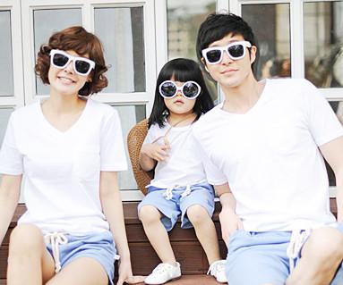 Clean-cut round family short T-shirts_13B28