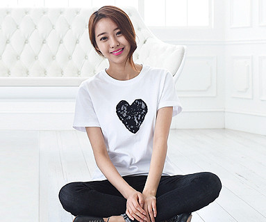 Black Heart round female short T-shirts_15B08