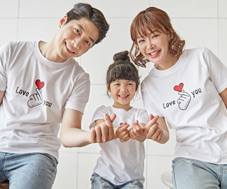 "<font color=""ffffff"">[Family long-sleeved tee & family look] <br></font> Finger Heart family short T-shirts_18B20 <font color=""red""><b> </b></font>"