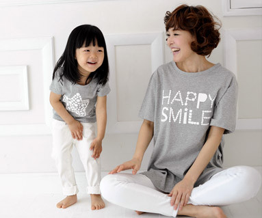 """<font color=""""ffffff"""">[Family short T-shirts Tees & Family Looks] <br></font> Milky Way round Mother and Baby short T-shirts_13B27<font color=""""#FF6666""""><strong>[Order available]</strong></font>"""