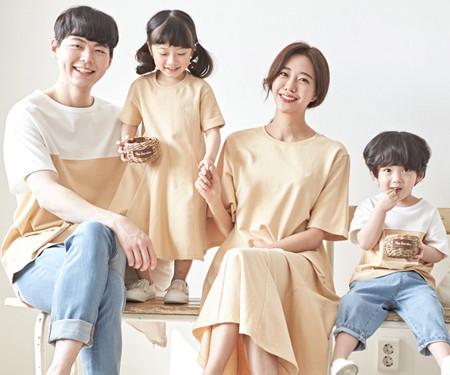 "<font color=""ffffff"">[Family long sleeve tee & family look] <br></font> family Beige Banana short T-shirts 20B01 / family look, family photo costume <font color=""red""><b> </b></font>"